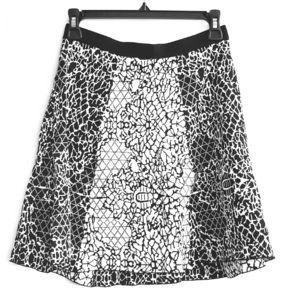 Banana Republic Skirt XS Viscose Nylon Black White